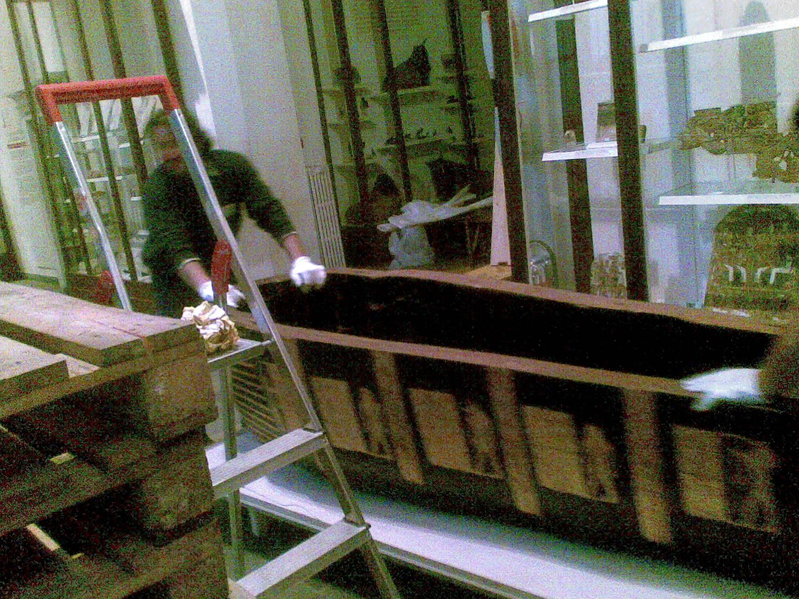 Egizio 2010 marzo Tomba di Kha sarc.interno aperto